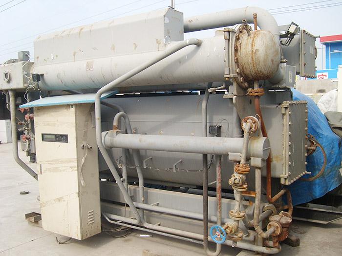 回收大连三洋溴化锂冷温型机组